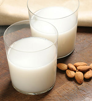 almond milk-alkaline-diet-recipes